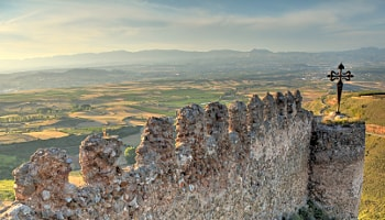 Best Rioja Wine Tours - You will discover medieval villages of La Rioja. A beautiful excursion.